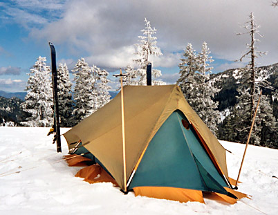 BOMBSHELTER SUPER TENT--- Those who have lived through a severe windstorm high above timberline in a conventional A-framed mountain tent even the best of ... & Rivendell Mountain Works and their Bombshelter tent and Jensen ...