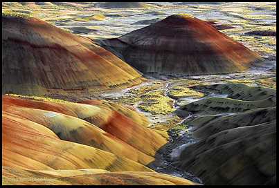 The Spectacular Colors Of Oregon S Painted Hills Are Near